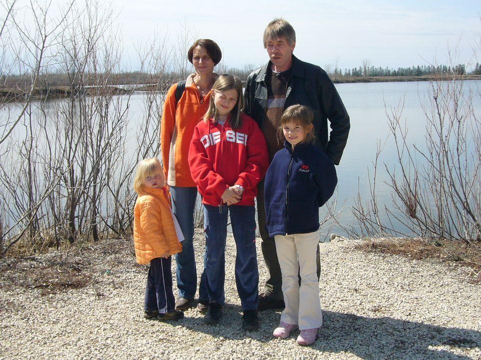 In Kanada war Familie Stropp noch nie. Trotzdem wollen Hans-Joachim (50) und Sylvia (40) mit ihren Kindern Vanessa (11), Anna-Lena (7) und Sarah (3)... - Bildquelle: kabel eins