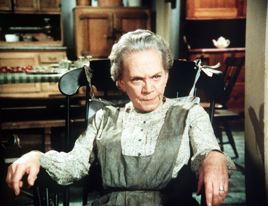 Ester (Ellen Corby) kennt die Kriegserlebnisse ihres Mannes in- und auswendig. Die Begeisterung ihrer Enkel für diese kann sie nicht teilen ... - Bildquelle: WARNER BROS. INTERNATIONAL TELEVISION