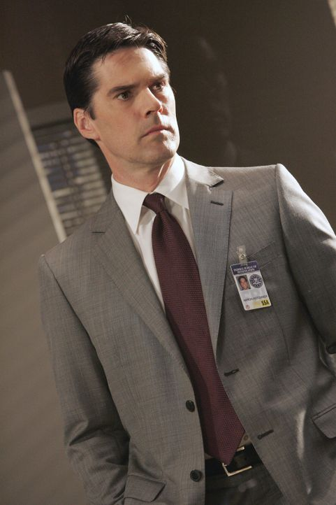 Ein neuer Fall bereitet Hotch (Thomas Gibson) und seinen Kollegen ziemlich viel Kopfzerbrechen ... - Bildquelle: Vivian Zink 2006 Touchstone Television. All rights reserved. NO ARCHIVE. NO RESALE.