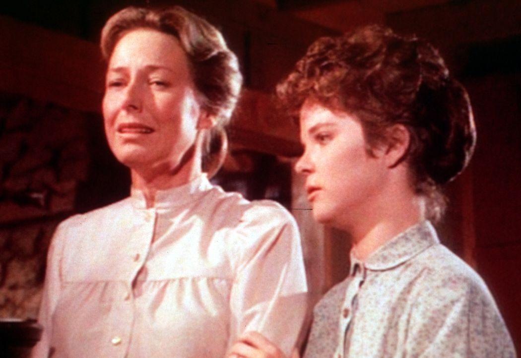 Mary (Melissa Sue Anderson, r.) wird gemeinsam mit ihrem Ehemann nach New York ziehen. Caroline (Karen Grassle, l.) leidet schon jetzt an Abschiedss... - Bildquelle: Worldvision