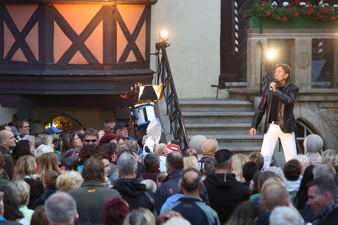 In Wernigerode begrüßt das Moderatoren-Duo Norman Langen und Annemarie Eilfeld hochkarätige Schlagerstars wie Feuerherz, Nicole, Christian Lais und... - Bildquelle: Sat.1 Gold