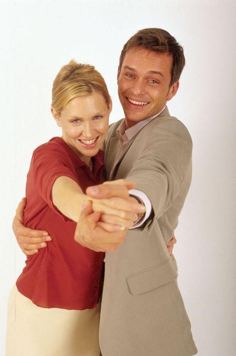 Marie (Gruschenka Stevens, l.) und Tom (Ole Puppe, r.) - Bildquelle: Oliver Ziebe Sat.1