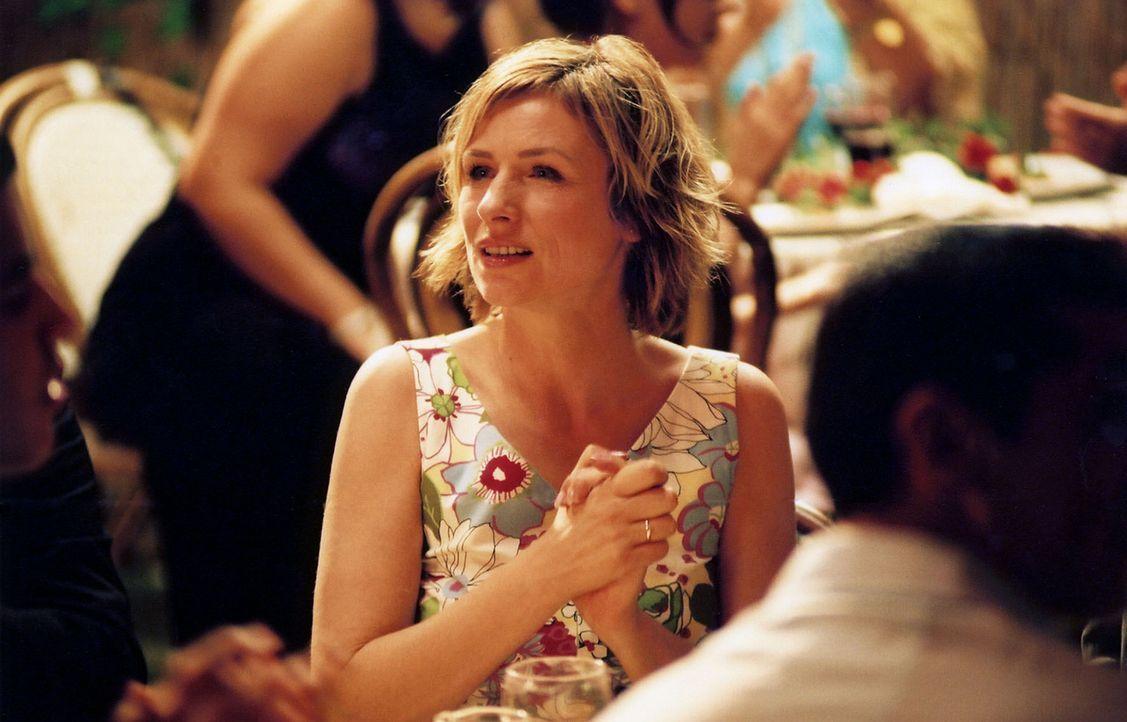 Um der wahren Mordursache auf den Grund zu gehen und den oder die Schuldigen zu stellen, taucht Eva Blond (Corinna Harfouch) in die türkische Kultur... - Bildquelle: Volker Roloff Sat.1