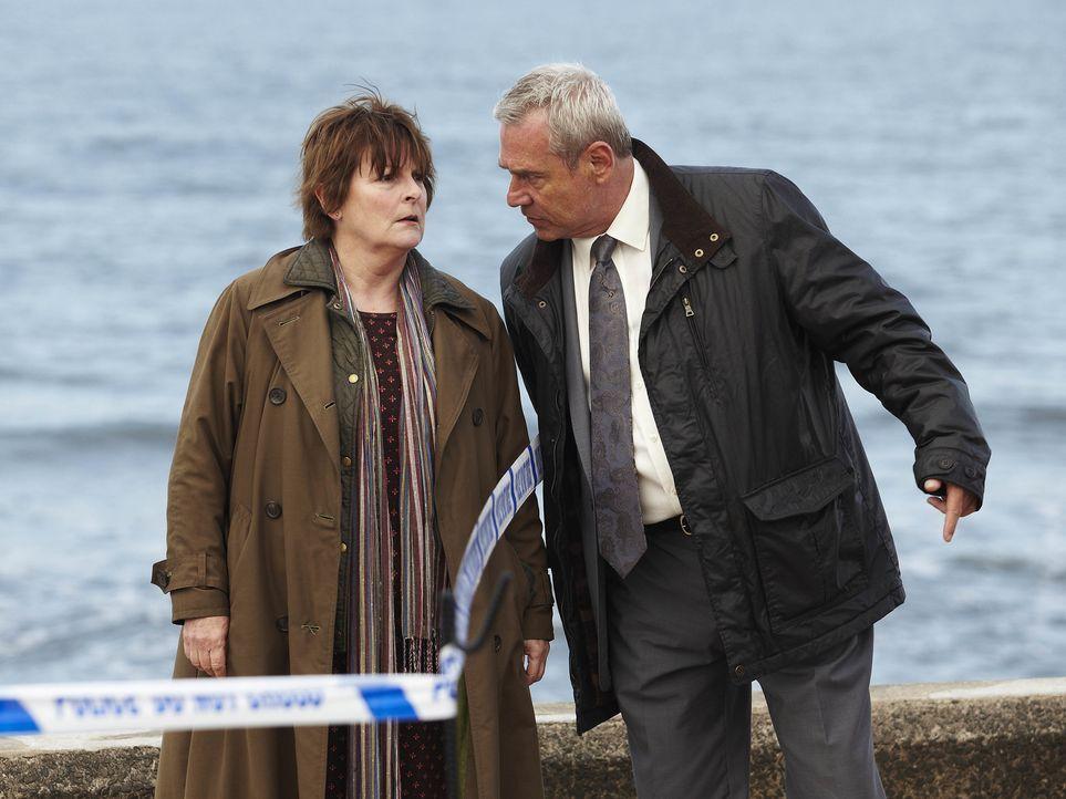 Vera Stanhope (Brenda Blethyn, l.); Kenny Lockhart (Jon Morrison, r.) - Bildquelle: Helen Turton ITV Studios/Helen Turton