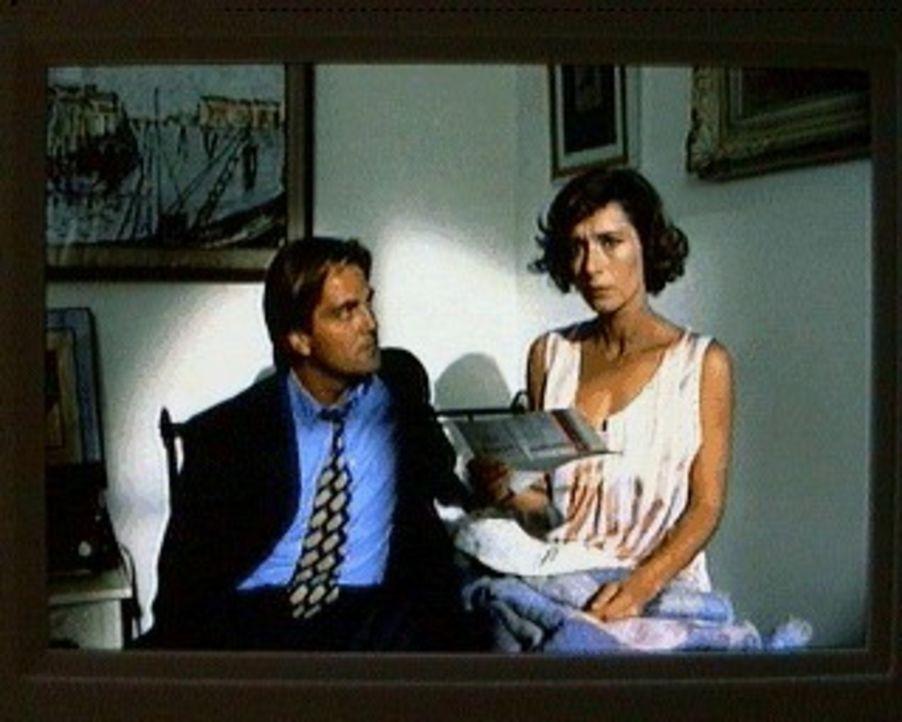 Sabina (Anita Zagaria, r.) ist von ihren Gefühlen verwirrt. Liebt sie noch immer ihren ehemaligen Verlobten Lino (Saverio Vallone, l.)? - Bildquelle: SAT.1