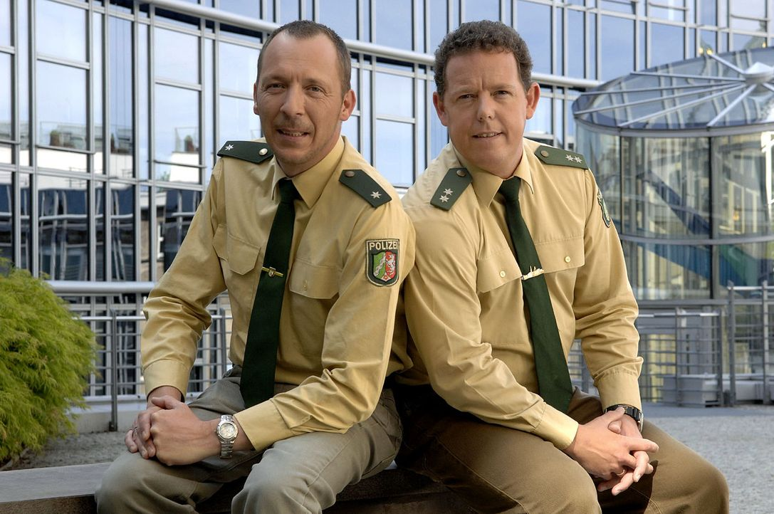 Das Team von der Hauptwache Bochum löst auch alltägliche Einsätze mit Herz und Einfühlungsvermögen. Toto (r.) und Harry (l.) sind immer da, wen...