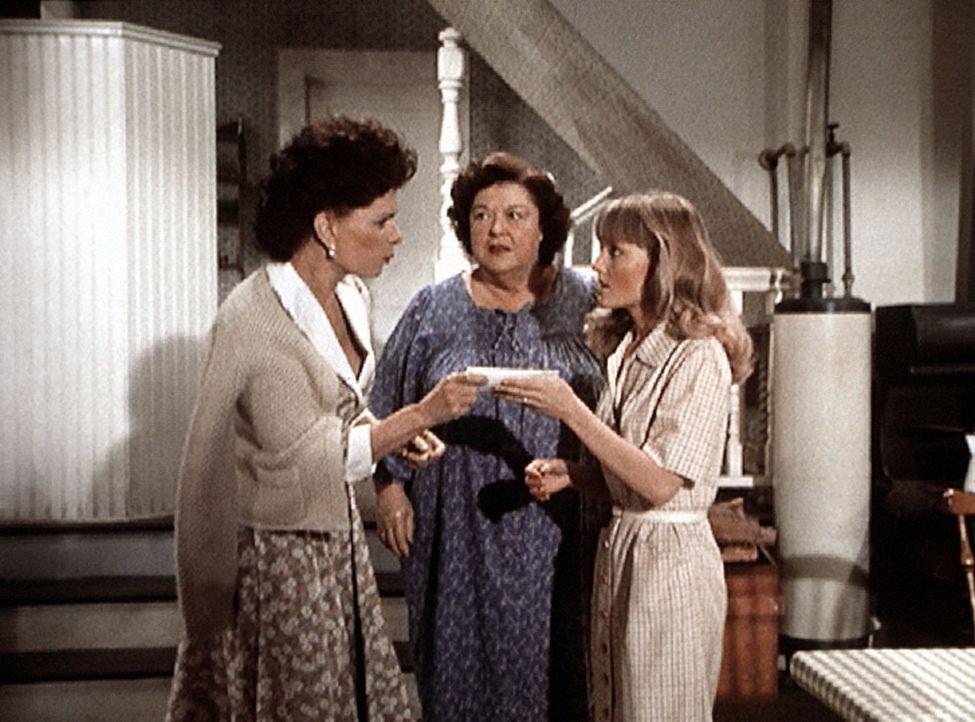 Corabeth (Ronnie Claire Edwards, l.) bringt Rose (Peggy Rea, M.) und Cindy (Leslie Winston, r.) den Antwortbrief auf Cindys Suchanzeige in der Zeitu... - Bildquelle: WARNER BROS. INTERNATIONAL TELEVISION