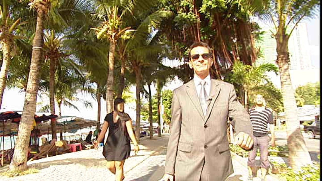 Konsul Rudolf Hofer betreut die deutsche Gemeinde in Pattaya. Krankenhausbesuche, Aufenthaltsgenehmigungen, Problemlösungen aller Art sind sein Meti... - Bildquelle: SAT.1