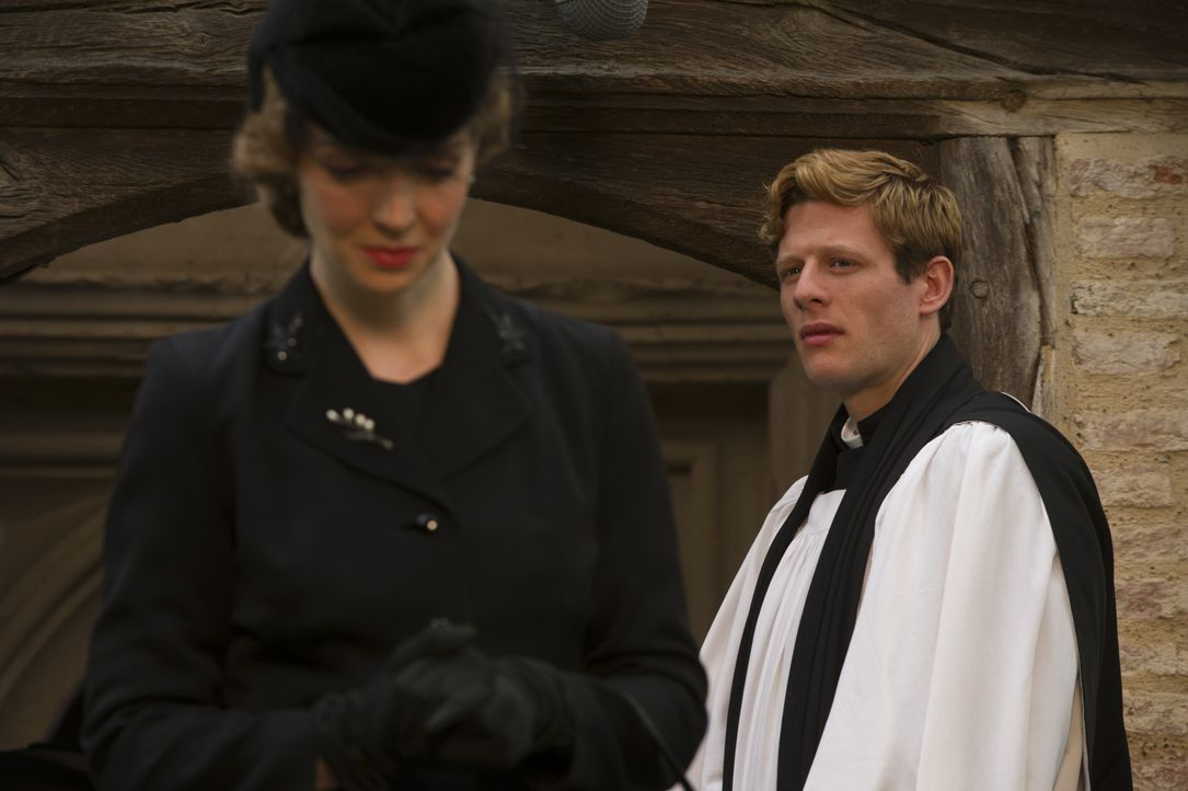 Hildegard Staunton (Pheline Roggan, l.); Sidney Chambers (James Norton, r.) - Bildquelle: LOVELY DAY PRODUCTION / ITV