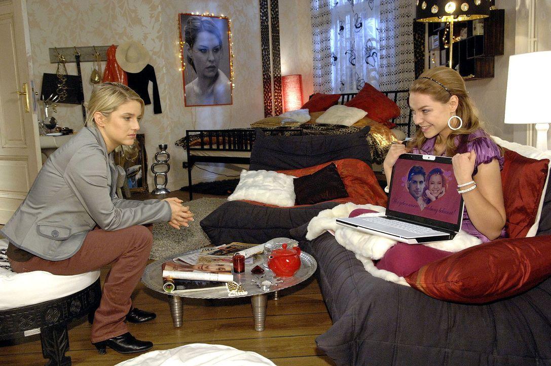 Katjas (Karolina Lodyga, r.) Plan, Jonas zu heiraten und eine Broda zu werden, versetzt Anna (Jeanette Biedermann, l.) einen Schock ... - Bildquelle: Claudius Pflug Sat.1