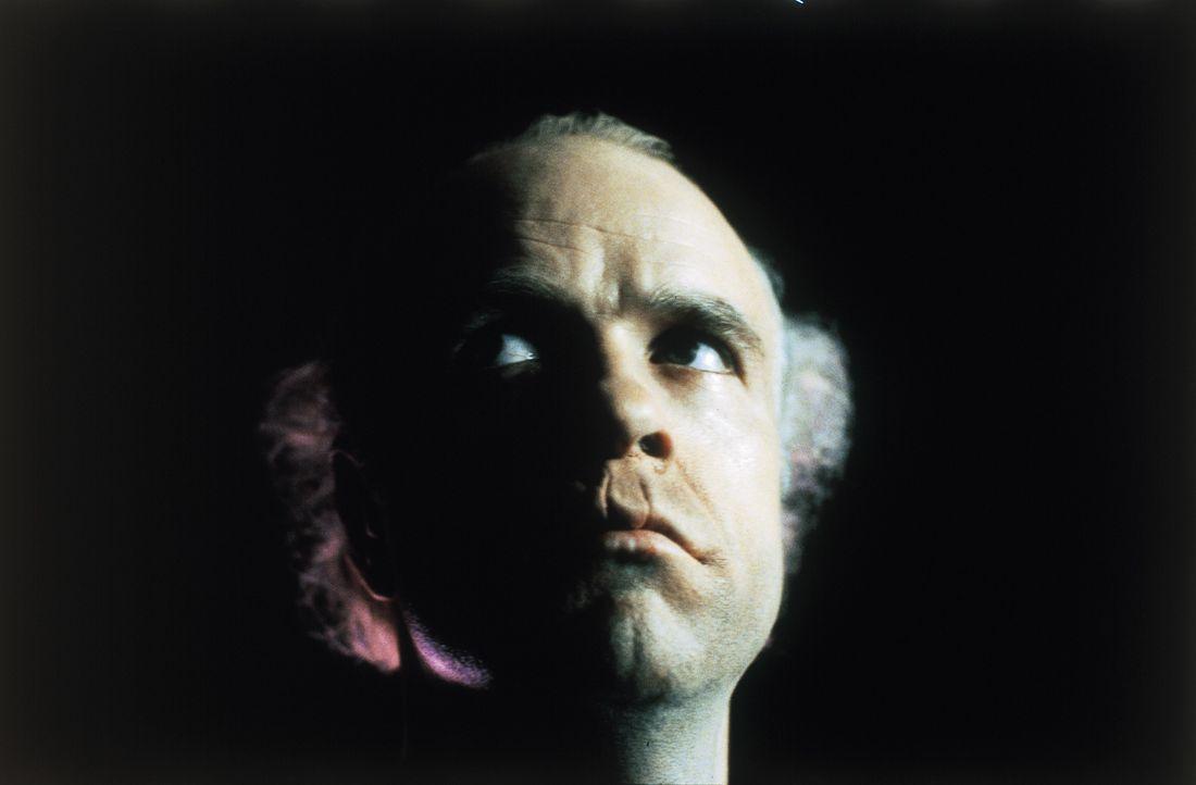 Der brutale Serienkiller Francis Dollarhyde (Tom Noonan, r.) hat mal wieder zugeschlagen ... - Bildquelle: STUDIOCANAL