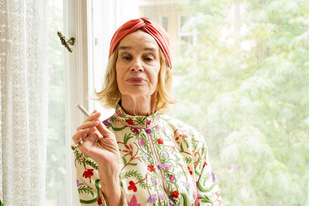 Nur Elisabeth Lindenbergh (Gudrun Gundelach) weiß genau, zu welchen Mitteln ihr Ex-Haus greift, wenn jemand ihm eine Sanierung aufzwingen will ... - Bildquelle: Gordon Mühle SAT.1