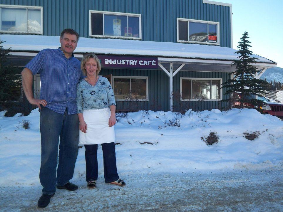 Bernharde Koch (44) und Michael Soukop (49) haben das geschafft, wovon viele Auswanderer träumen - sie haben in Kanada ein richtiges Zuhause gefunde... - Bildquelle: kabel eins
