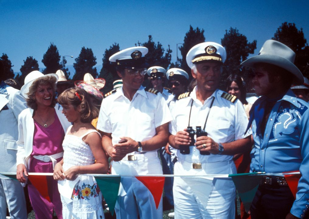(4. Staffel) - Träume werden wahr! Von ihrem Heimathafen Acapulco aus startet die Pacific Princess zu den herrlichsten Kreuzfahrten in geheimnisvoll... - Bildquelle: CBS Studios Inc. All Rights Reserved.