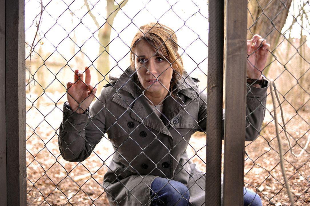 Die Kommissarin Hannah Mangold (Anja Kling) ist zwar noch immer vom Dienst suspendiert, was sie jedoch nicht davon abhält, auf eigene Faust zu ermit... - Bildquelle: Oliver Feist SAT.1 / Oliver Feist