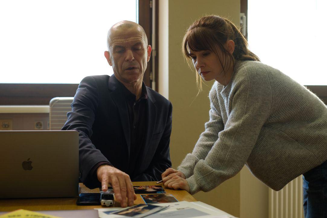 Maarten S. Sneijder (Raymond Thiry, l.); Sabine Nemez (Josefine Preuß, r.) - Bildquelle: Petro Domenigg SAT.1 / Petro Domenigg