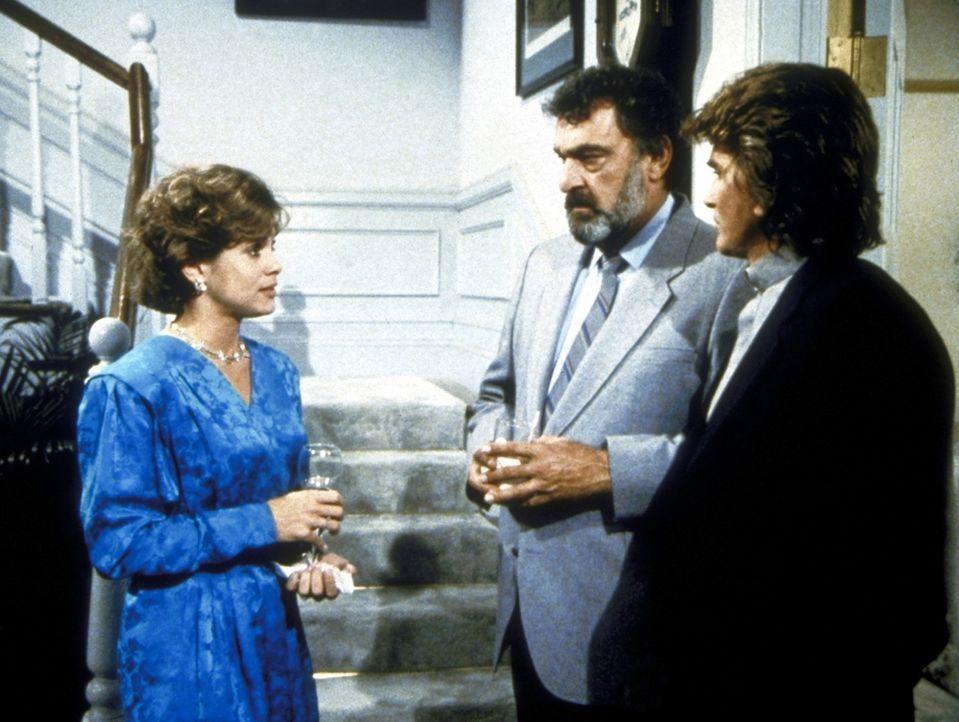 Trish (Ann Howard, l.) erklärt Mark (Victor French, M.) und Jonathan (Michael Landon, r.), dass sie nicht heiraten möchte, weil sich ihre Eltern und... - Bildquelle: Worldvision Enterprises, Inc.