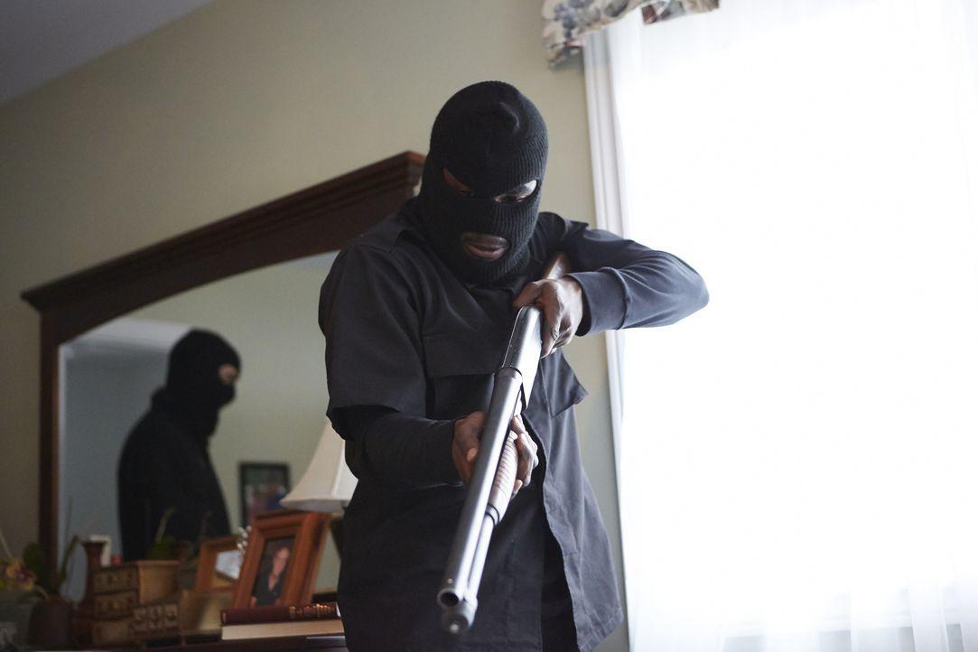 Heimkindern ein liebevolles Zuhause zu geben, darin fanden die Billings Erfüllung in ihrem Leben - bis eines Nachts eine Gruppe maskierter Männer in... - Bildquelle: SALOON MEDIA INC. & ARROW INTERNATIONAL MEDIA