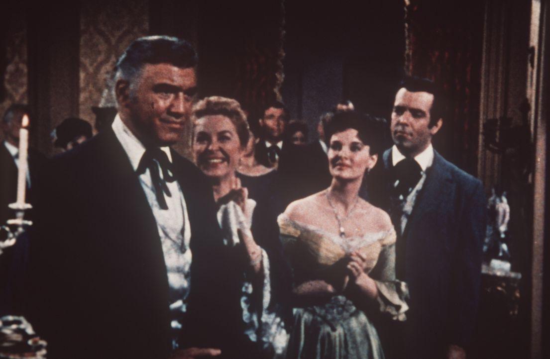 Weil er für den Gouverneursposten kandidiert, wird zu Ehren von Ben Cartwright (Lorne Greene, l.) ein Empfang gegeben. - Bildquelle: Paramount Pictures