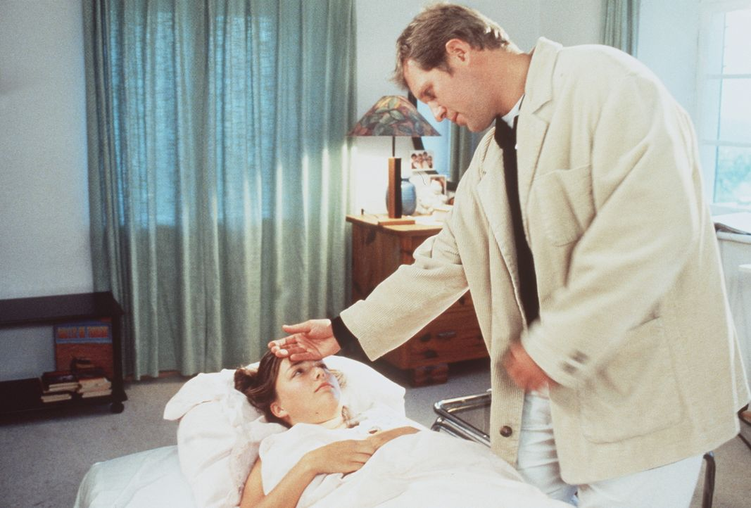 Margarete Berger (Esther Wolffhardt, l.); Dr. Justus Hallstein (Harald Krassnitzer, r.) - Bildquelle: Beta Film GmbH