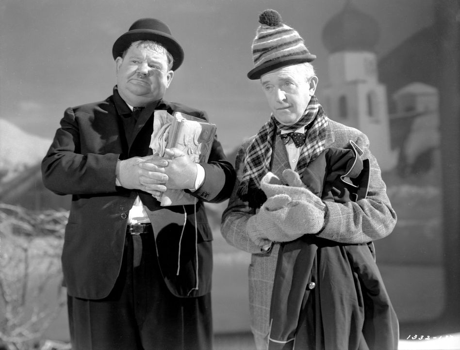 Oliver (Oliver Hardy, l.); Stan (Stan Laurel, r.) - Bildquelle: 1944 Turner Entertainment Co. All rights reserved.