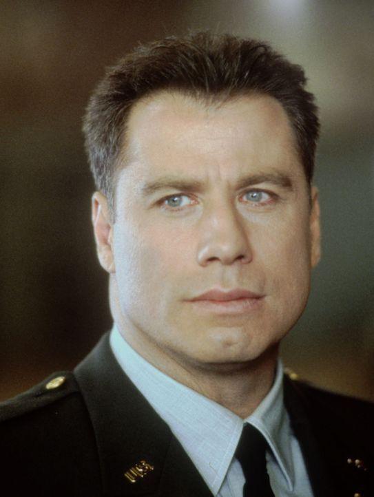 Auf dem Militärstützpunkt Fort McCallum ermittelt der Army-Cop Paul Brenner (John Travolta). Er soll den Tod der Tochter des bekannten Generals Joe... - Bildquelle: TM & Copyright   2017 by Paramount Pictures. All rights reserved.ramount Pictures