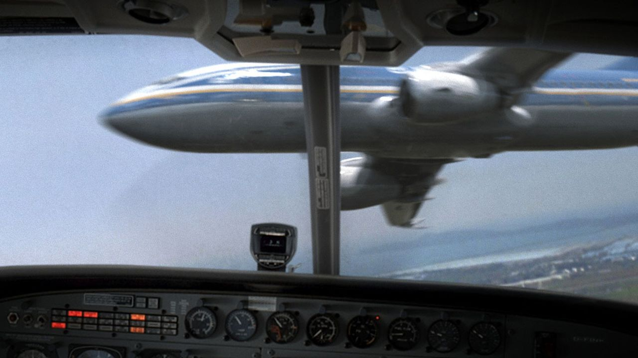 """Der Ferienflieger EA-714 kollidiert im Luftraum über Nizza mit einer kleinen Frachtmaschine. 90 Minuten bleiben bis zum Absturz"""". Doch die Zeit ist... - Bildquelle: ProSieben"""