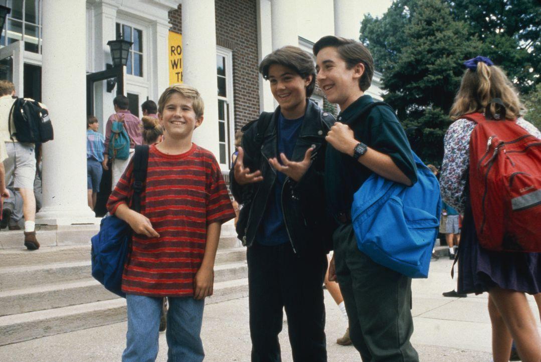 Um einmal eine nackte Frau zu sehen, beschließt der zwölfjährige Frank (Michael Patrick Carter, l.) zusammen mit seinen Freunden Brad (Adam LaVorgna... - Bildquelle: TM, ® &   1994 by Paramount Pictures. All Rights Reserved.