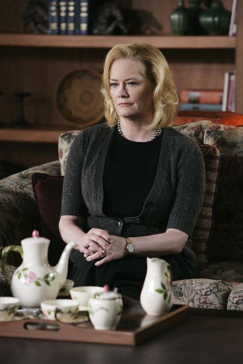 Ahnt Mrs. Gless (Cybill Shepherd), dass ihr Sohn etwas mit den Morden an den jungen Frauen zu tun hat? - Bildquelle: Sonja Flemming 2009 ABC Studios. All rights reserved. NO ARCHIVE. NO RESALE. / Sonja Flemming