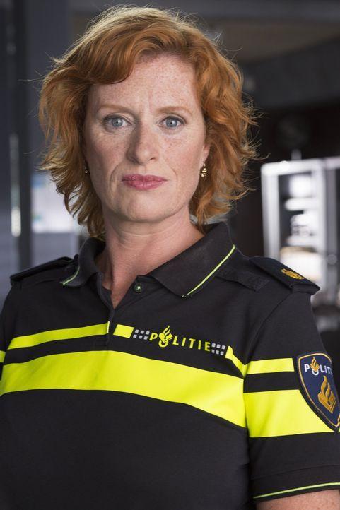 Wie kommt Marion (Oda Spelbos) damit zurecht, dass auf einmal ein Großstadtpolizist in ihr Provinzrevier kommt und dort ermitteln soll? - Bildquelle: Warner Brothers