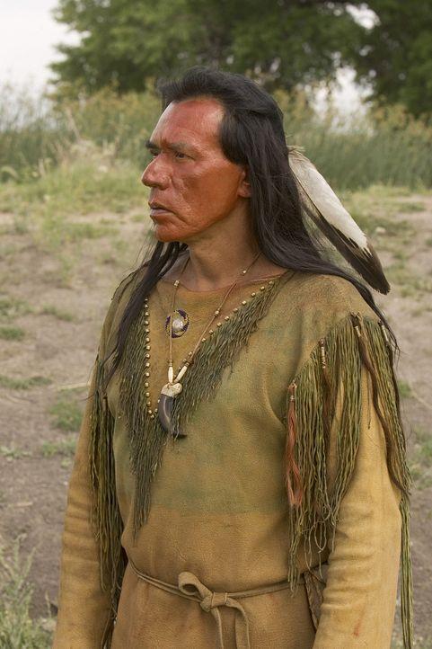 Das Verhältnis zu seinem Sohn wird immer schlechter. Schließlich trifft Häuptling Buffalo Hump (Wes Studi) eine drastische Entscheidung ... - Bildquelle: 2006 CBS Broadcasting Inc. All Rights Reserved.