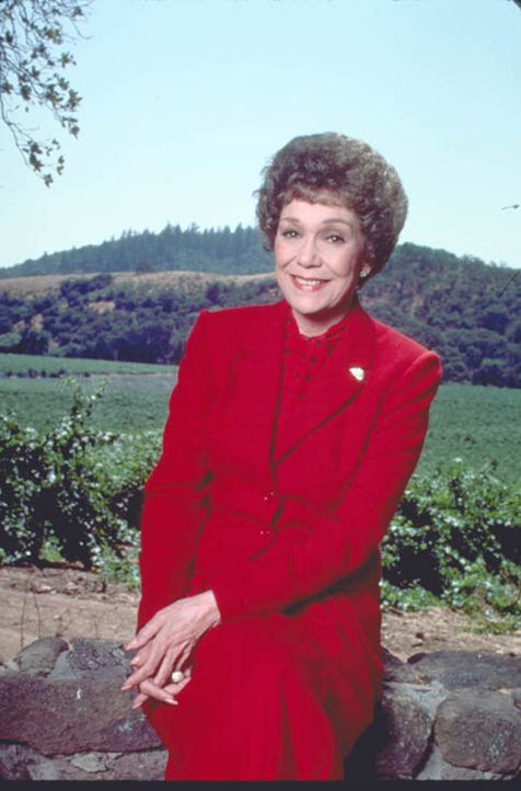 (2. Staffel) - In ihrem erbitterten Kampf um noch mehr Reichtum und Einfluss im Tuscany Valley schreckt Angela (Jane Wyman) vor nichts und niemanden... - Bildquelle: Warner Brothers