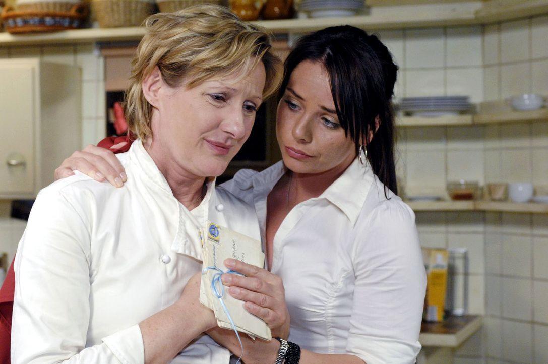 Durch ihren Streit mit Armin erkennt Susanne (Heike Jonca, l.), dass sie immer noch Gefühle für ihren verschollenen Mann Ingo hat. Paloma (Maja Mane... - Bildquelle: Oliver Ziebe Sat.1