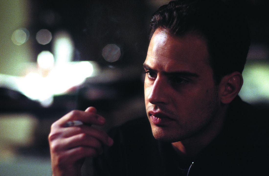 Nach einer zärtlichen und leidenschaftlichen Nacht mit Dora überkommen Tarek Fahd (Moritz Bleibtreu) Zweifel, ob er wirklich an dem Experiment teiln... - Bildquelle: SENATOR FILM Alle Rechte vorbehalten