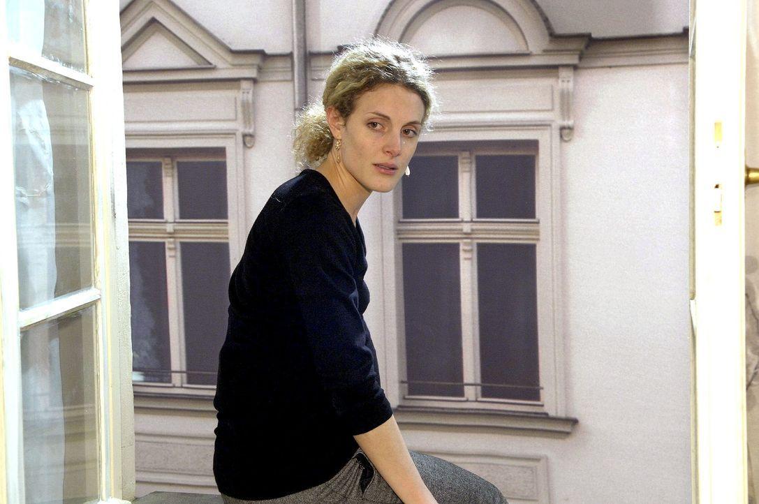 Maja (Barbara Lanz) hat allen Lebensmut verloren und ist kurz davor, Robert in den Tod zu folgen. - Bildquelle: Claudius Pflug Sat.1