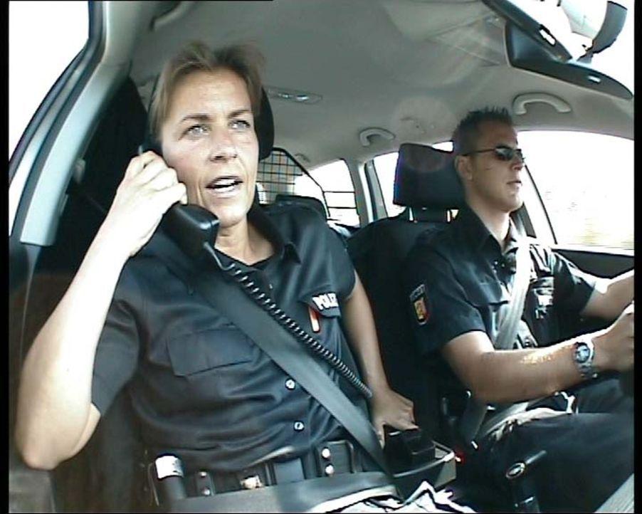 Die Autobahnpolizisten der A7 sind in ihrem täglichen Einsatz Rasern und Dränglern auf den Fersen. - Bildquelle: Sat.1
