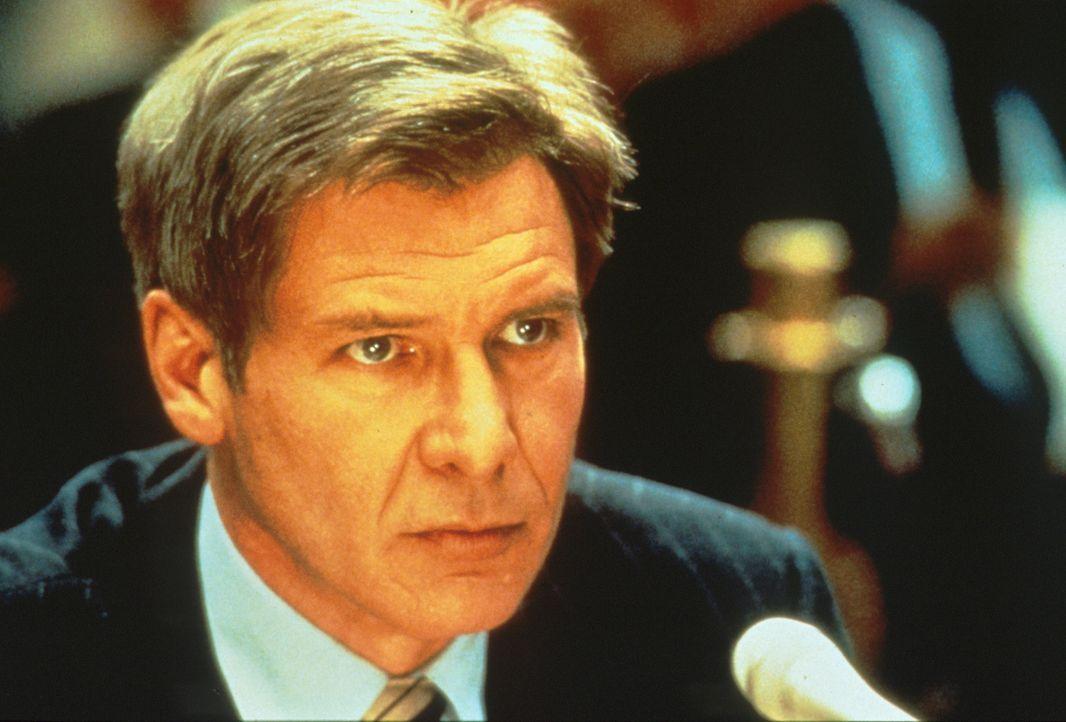 CIA-Mann Jack Ryan (Harrison Ford) kommt bei seinen Ermittlungen zu einem verblüffenden Ergebnis: Der Ermordete, ein enger Freund des US-Präsidenten... - Bildquelle: Paramount Pictures