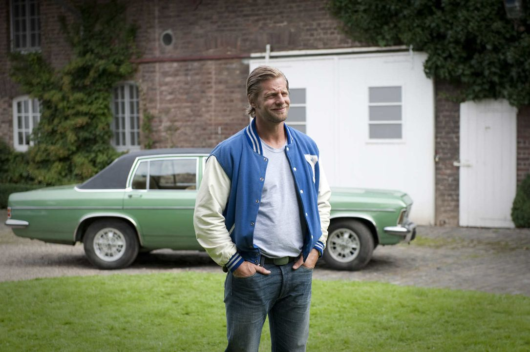 (2. Staffel) - Nach wie vor halten die Irrungen und Wirrungen der Liebe Mick (Henning Baum) gewaltig auf Trab ... - Bildquelle: Martin Rottenkolber SAT.1 / Martin Rottenkolber
