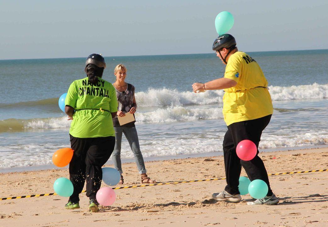 Bei der Luftballonjagd hat jeder Kandidat zehn Ballons am Körper. Ziel ist es, die Luftballons der anderen Mitspieler zu zerstören ... - Bildquelle: Enrique Cano SAT.1