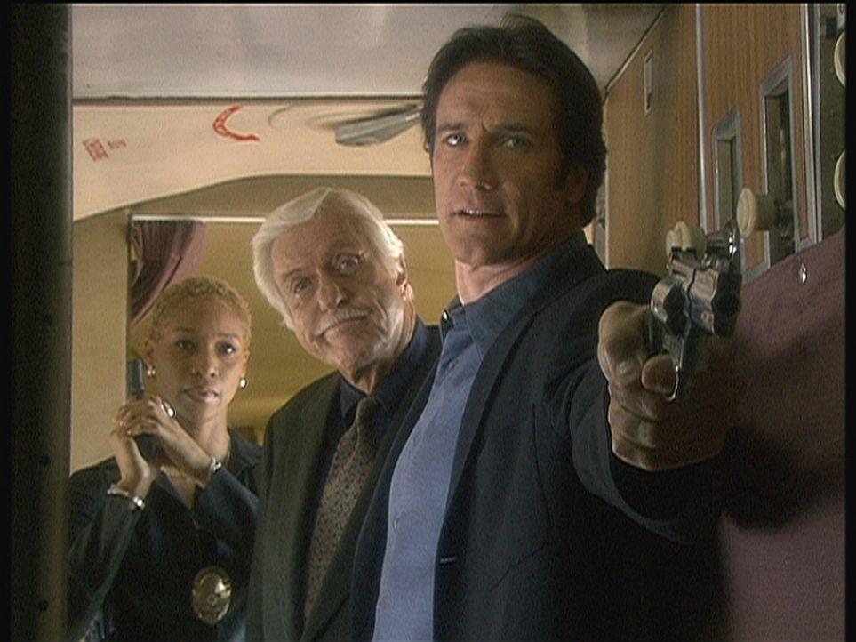 Cherly (Charmin Lee, l.), Mark (Dick Van Dyke, M.) und Steve (Barry Van Dyke, r.) haben das Cockpit einer Maschine gestürmt, mit der sich ein Mörder... - Bildquelle: Viacom