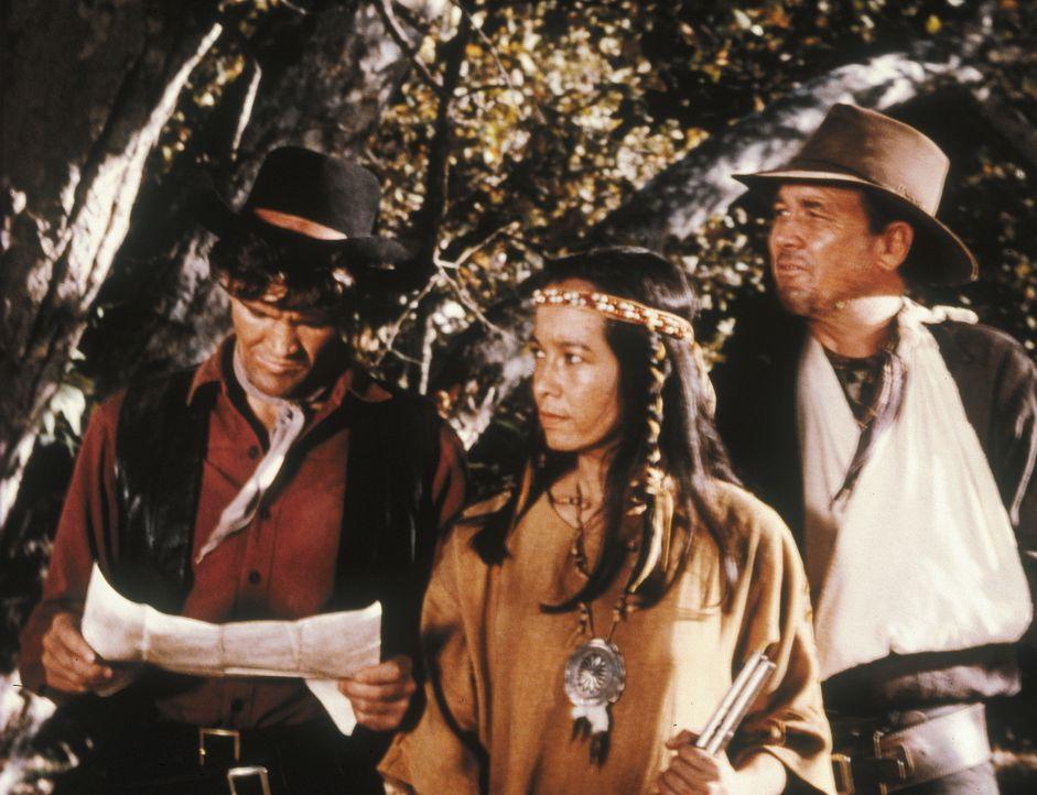 Während eines Kontrollritts entdeckt Candy (David Canary, l.) den angeblichen Mörder und Deserteur Sam Bellis (Ben Johnson, r.) und dessen indianisc... - Bildquelle: Paramount Pictures