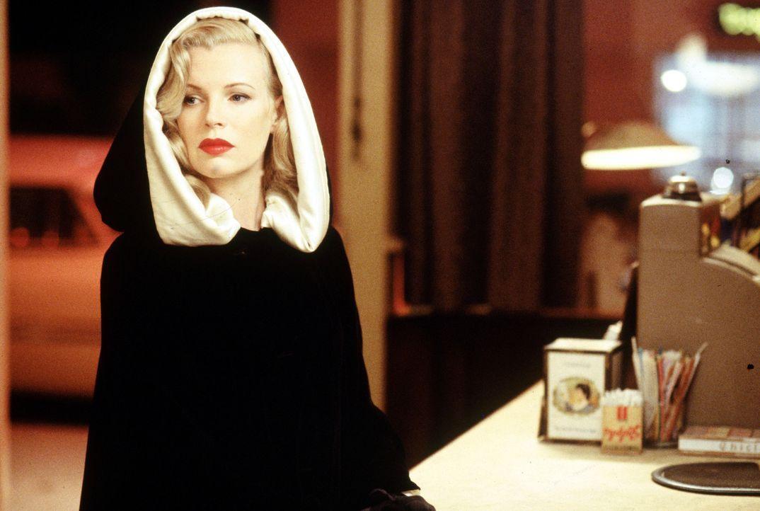 Lynn Bracken (Kim Basinger) - Bildquelle: 1997 Warner Bros. Entertainment Inc.  All rights reserved.