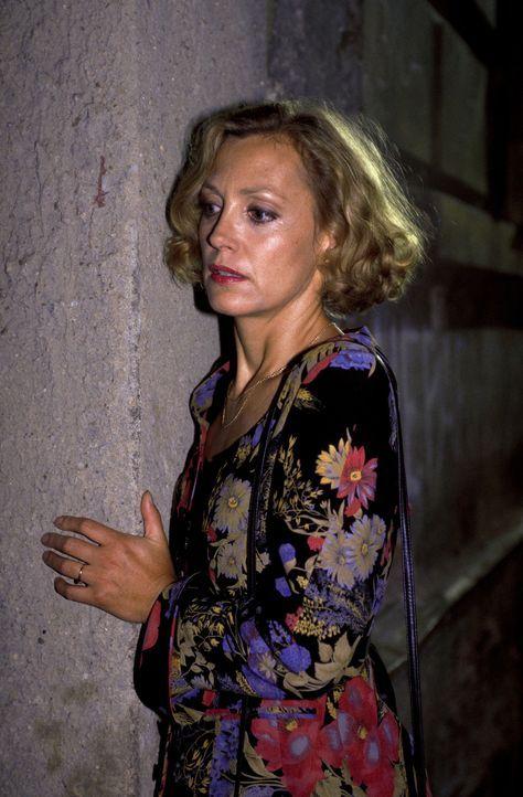 Als Marie (Constanze Engelbrecht) nachts auf den Strassen von Prag einen Mord beobachtet, beginnt für sie der nächste Albtraum ... - Bildquelle: Magdalena Mate ProSieben