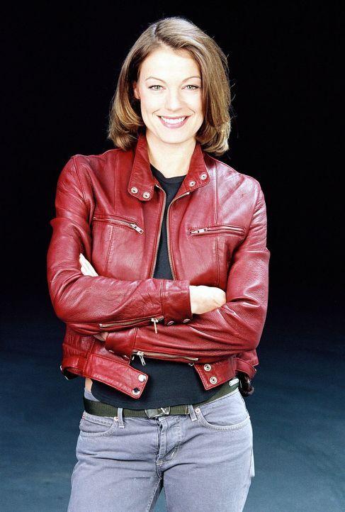 Kriminalinspektorin Niki Herzog (Elke Winkens) ist Kampfsportlerin und fürchtet sich auch von den schweren Jungs überhaupt nicht ... - Bildquelle: Ali Schafler Sat.1