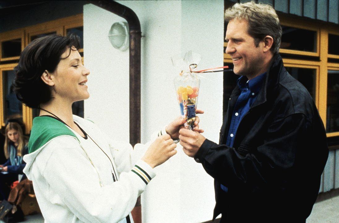Lisa Brunner (Janina Hartwig, l.): Dr. Justus Hallstein (Harald Krassnitzer, r.) - Bildquelle: Beta Film GmbH
