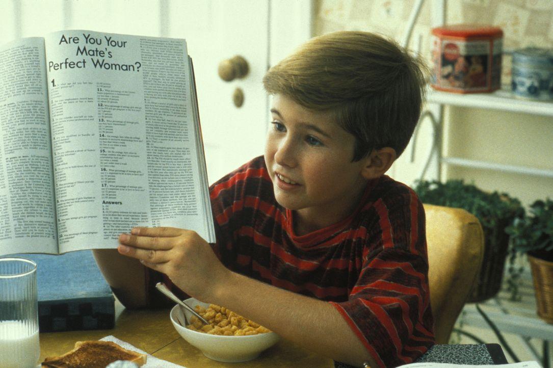 Der zwölfjährige Frank (Michael Patrick Carter) beschäftigt sich damit, wie er seinen Vater verkuppeln kann. - Bildquelle: TM, ® &   1994 by Paramount Pictures. All Rights Reserved.