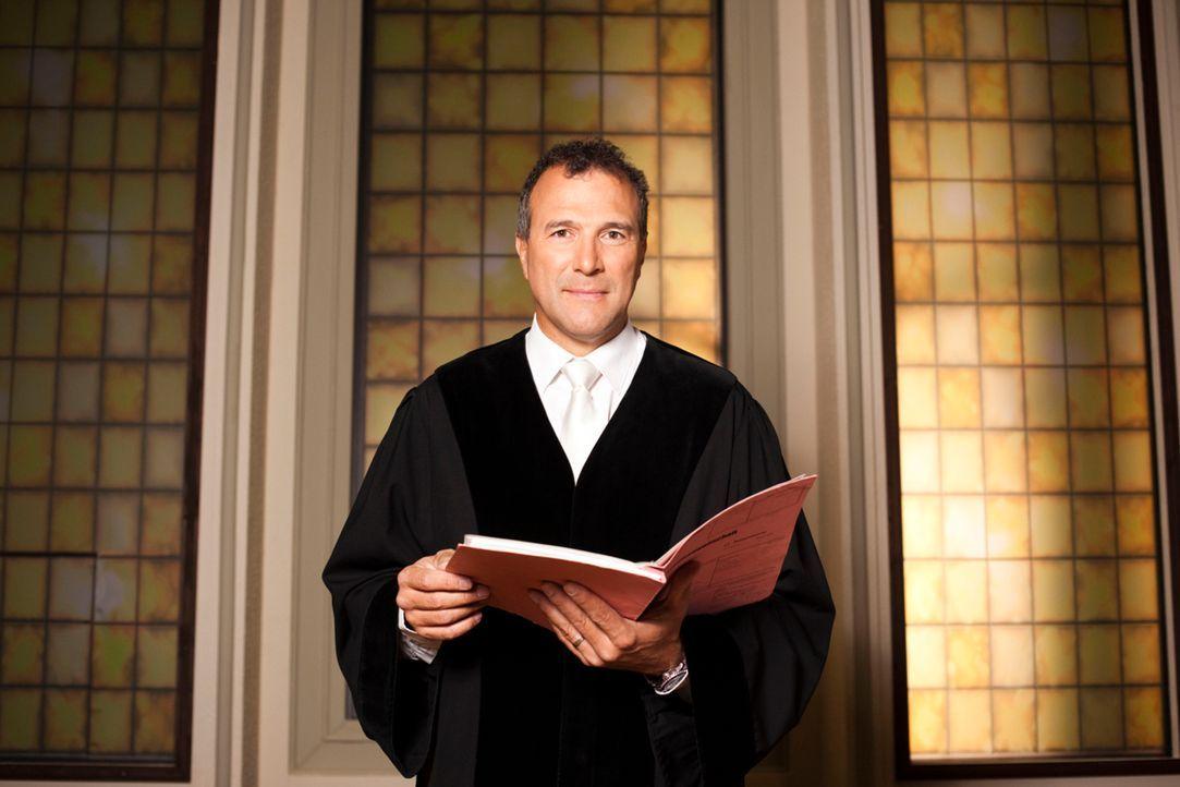 Richter Alexander Hold war Staatsanwalt und Richter am Amtsgericht in Kempten. Er steht in der erfolgreichen Court-Show-Tradition von SAT.1 und ents... - Bildquelle: Benedikt Müller SAT.1/Benedikt Mueller