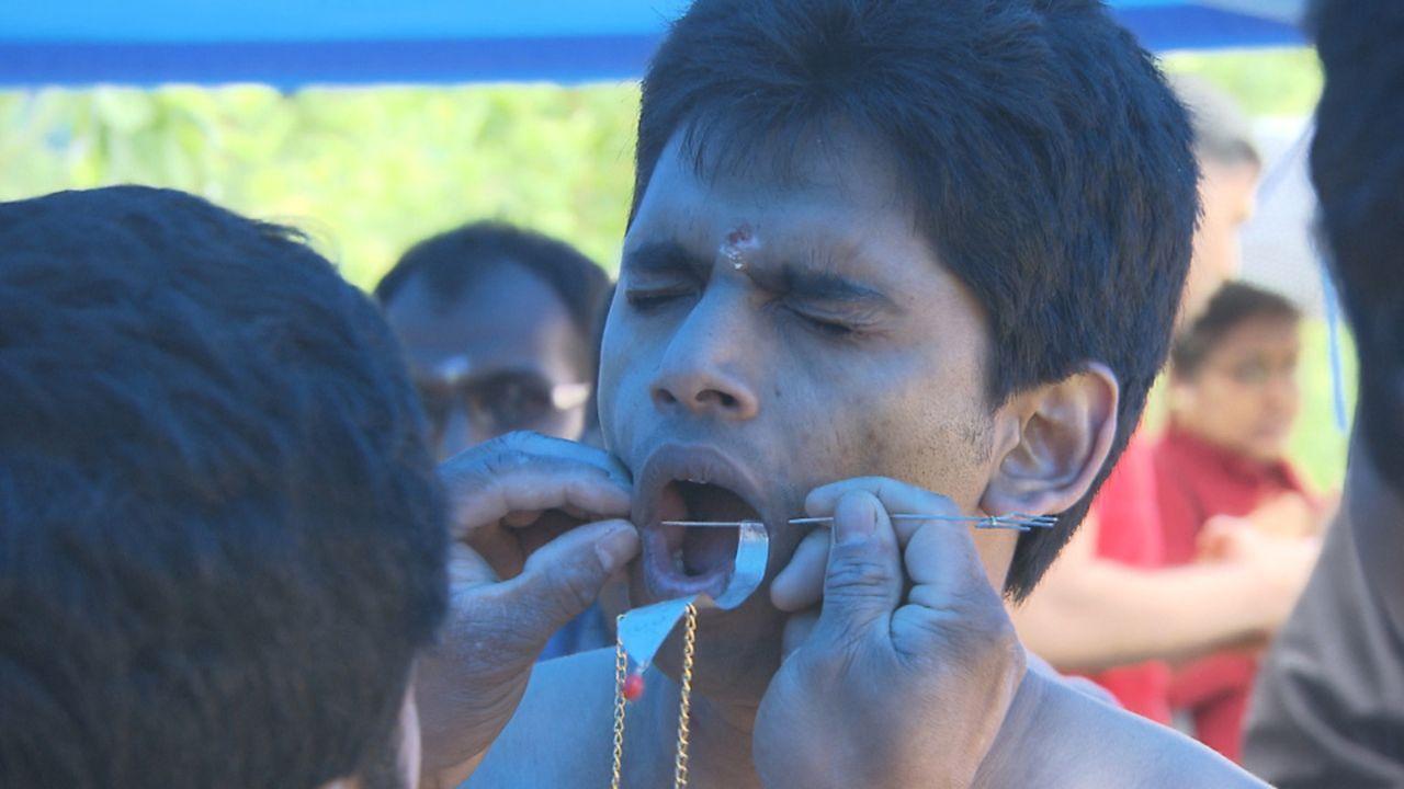 Culture-Clash in Hamm! Schützenbrüder und 20.000 hinduistische Pilger feiern gleichzeitig ihre traditionsreichen Feste in der westfälischen Stadt... - Bildquelle: SAT.1