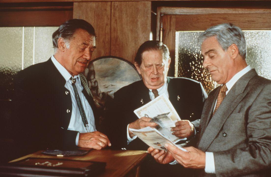 (v.l.n.r.) Angerer (Gerhard Riedmann); Xaver Zirngiebel (Georg Marischka); Richard Weinkopf (Karl Heinz Vosgerau) - Bildquelle: Beta Film GmbH