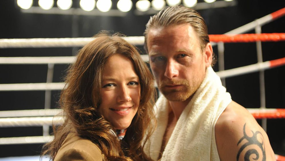 Glückstreffer - Anne und der Boxer - Bildquelle: Aki Pfeiffer SAT.1 / Aki Pfeiffer